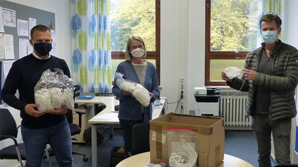 Spende Besuch Corona Pandemie eprotec Alltagsmasken St. Michaelis Schule Paderborn
