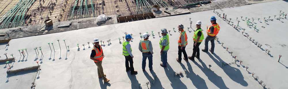 Baustellensicherheit Männer Baustelle Überblick